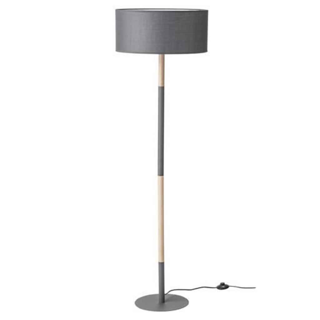 Meubeltop bloomingville vloerlamp grijs hout 150 cm van for Lampen 150 cm